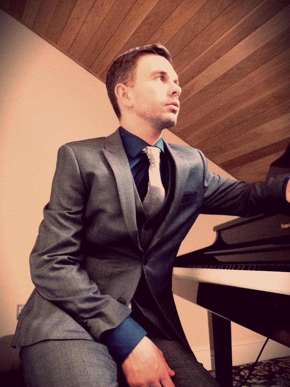 Craig Smith: wedding pianist based in Preston, Lancashire, available to perform solo wedding piano and with wedding duos and wedding bands