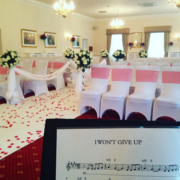 Farington Lodge wedding piano: pianist for Farington Lodge wedding ceremony, drinks reception or wedding breakfast