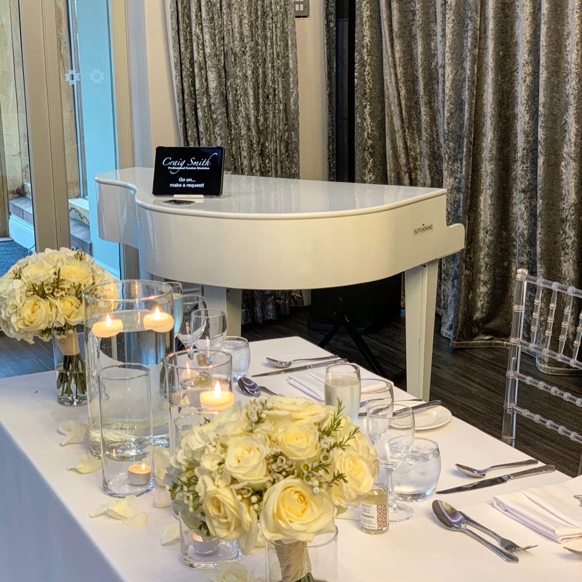 Merrydale Manor wedding pianist for wedding breakfasts