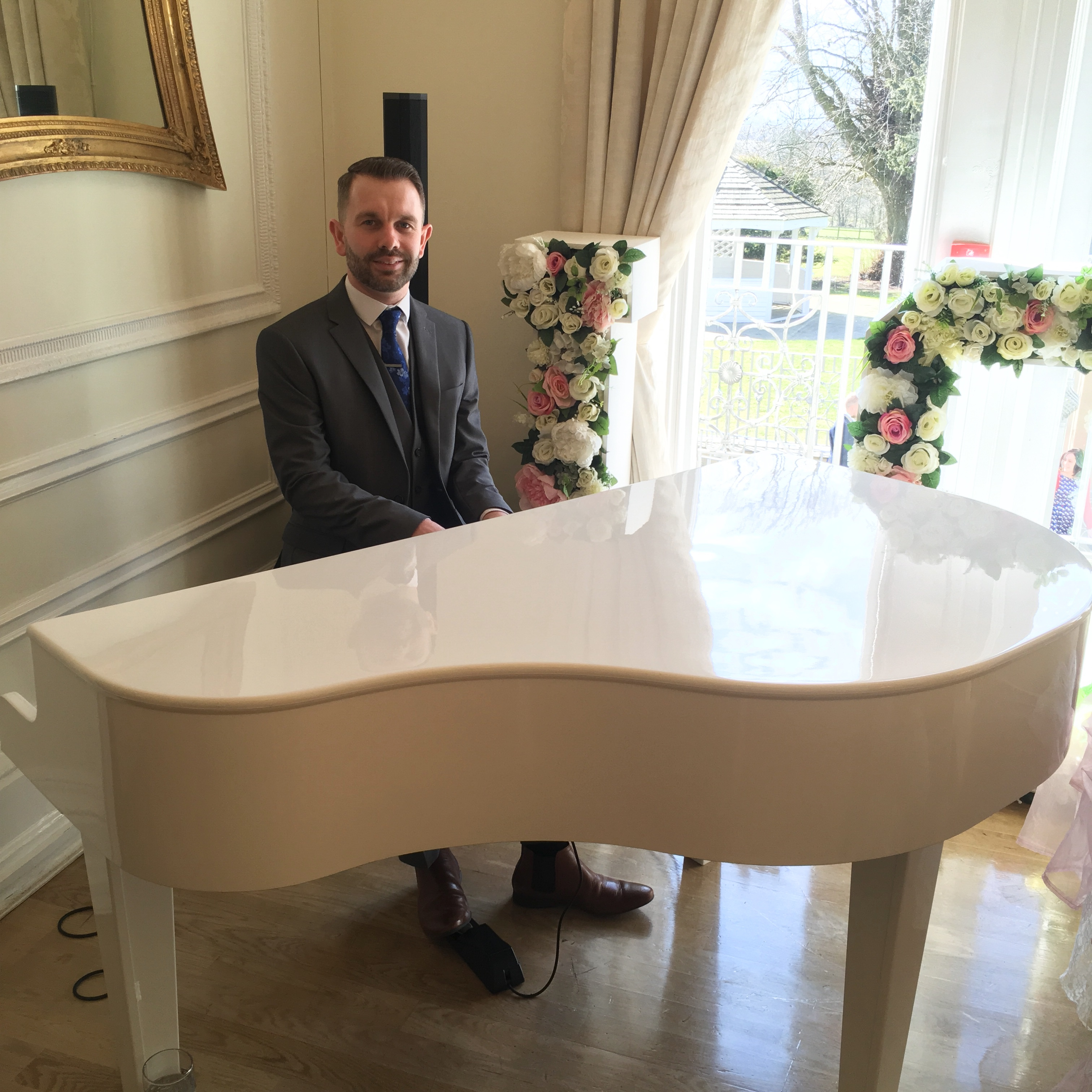 Piano player for West Tower wedding ceremony